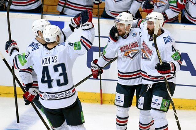 «Магнитка», разгромив «Куньлунь», вышла в ¼ финала Кубка Гагарина