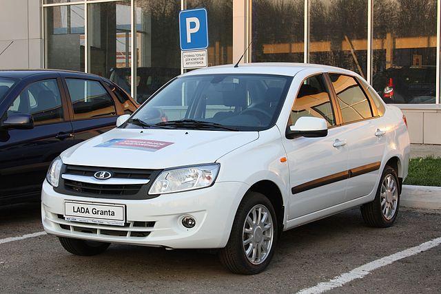Почему россияне стали чаще покупать отечественные автомобили?