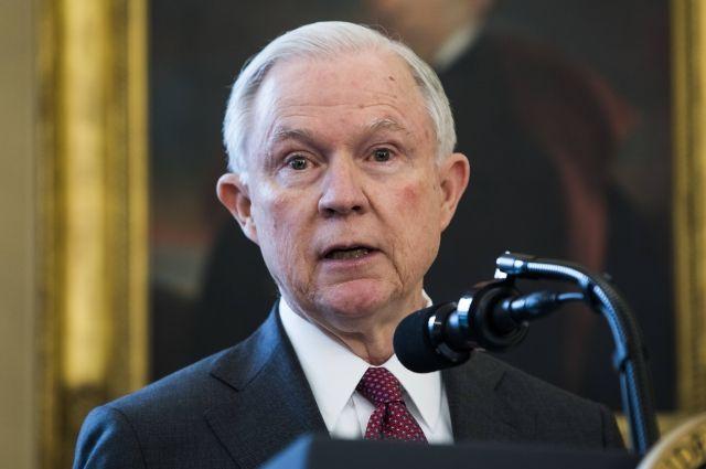 Генеральный прокурор США Сешнс взял самоотвод в изучении по Российской Федерации