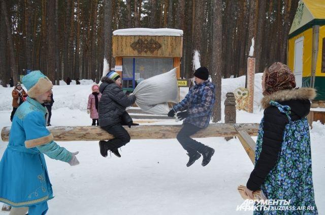 Почти 5 тыс. кузбассовцев праздновали Масленицу в музее-заповеднике.