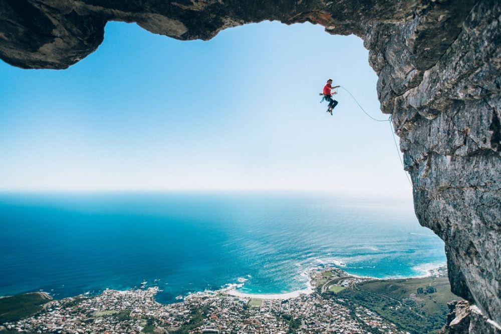 Также, в 2016 году лучшим в категории «Крылья» стало фото скалолаза, сделанное в Южной Африке