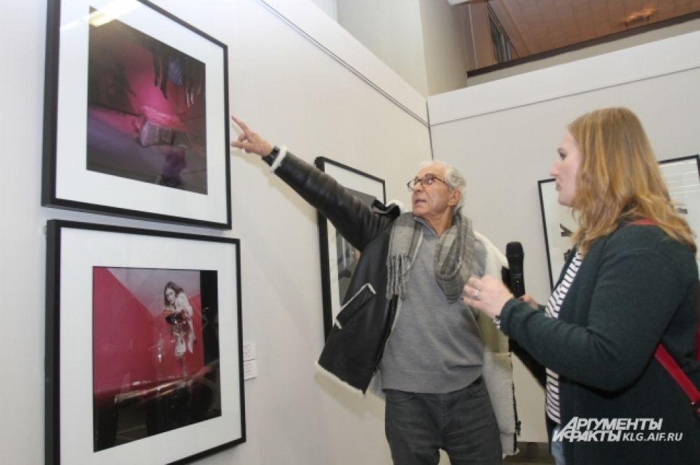 Как отмечают эксперты, снимки Барбьери  своей продуманностью освещения и композиций напоминают кадры из фильмов.