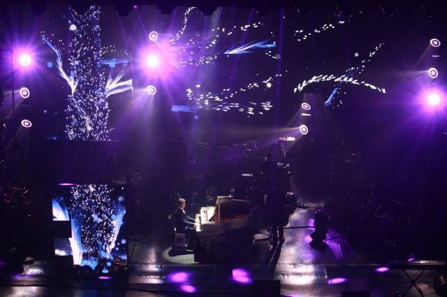В рамках весеннего шоу выступили две потрясающие певицы Злата Огневич и Tayanna.