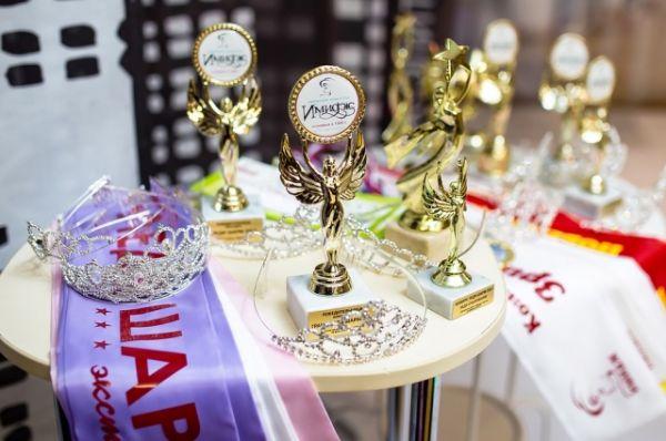 В общей сложности финалистки получили 19 титулов.