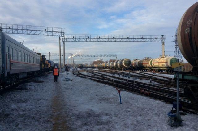 Украинские радикалы блокируют соединяющую РФ и государство Украину железную дорогу