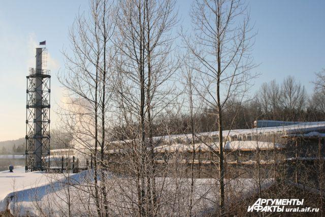 Дегтярский завод возобновил работу вопреки запрету суда