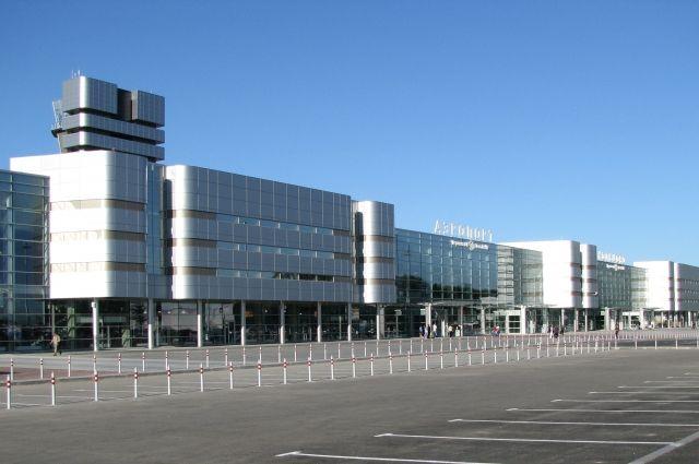 Векатеринбурском аэропорту Кольцово скончался мужчина, прилетевший изПраги