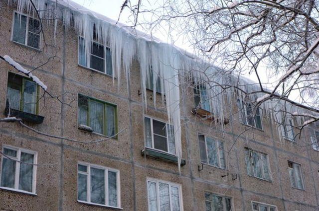 Иван Белозерцев призвал усилить работу поочистке крыш отналеди