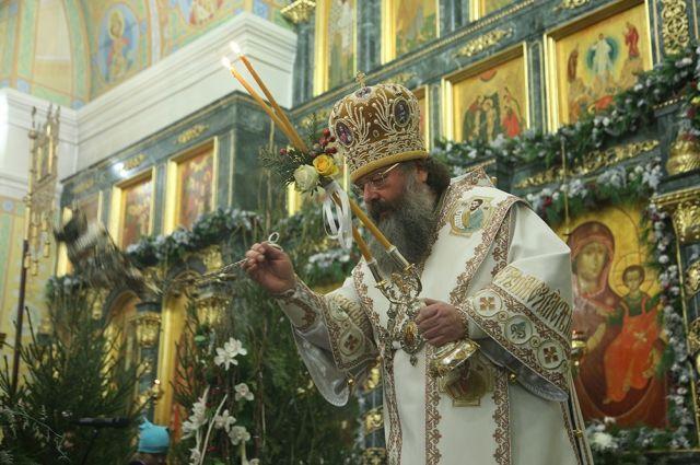 Епископ Евгений прокомментировал фотосессию юношей вХраме-на-Крови
