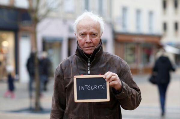 Жан-Луи Лашевр, 66: «Честность. Наши политики более или менее одинаковые. Среди них не так уж много с чистыми руками».