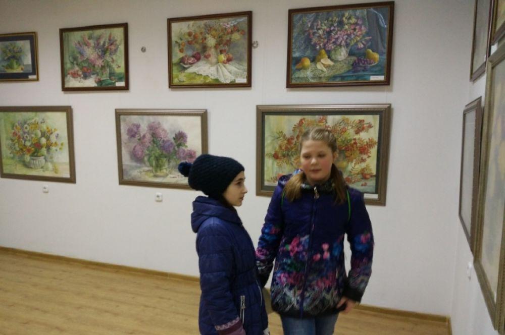 Её работы находятся в частных коллекциях в Москве и Подмосковье, Санкт-Петербурге, Омске, Ростове-на-Дону, Волгодонске, Цимлянске, Таганроге, а также в Германии, Италии, Франции и Швейцарии.