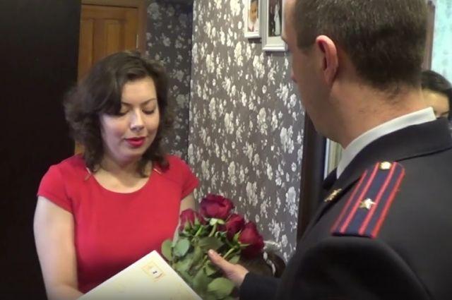 Поздравление жен полицейских.