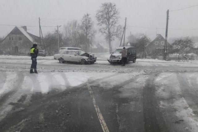 Превышение скорости стало причиной большинства аварий в Калининграде.