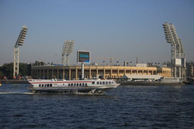 Стадиону «Петровский» вПетербурге потребовался косметический ремонт