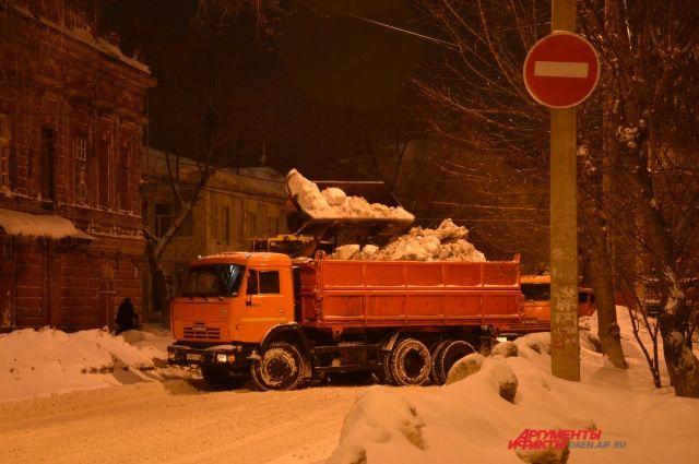В Оренбурге ограничат автомобильное движение из-за вывоза снега