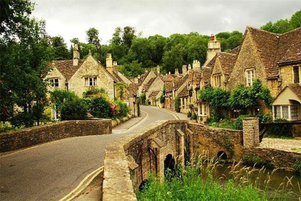Деревня Касл Ком, Англия