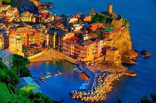 Еще один рыбацкий городок, который находится в Италии, называется Вернацца