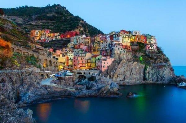 Рыбацкий город Манарола в Италии