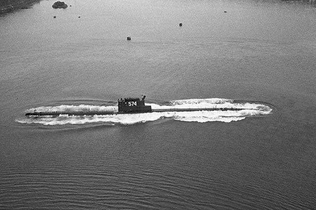 Подводная лодка К-129 (бортовой номер 574), проект 629А Тихоокеанского флота в походе, 1965 г.