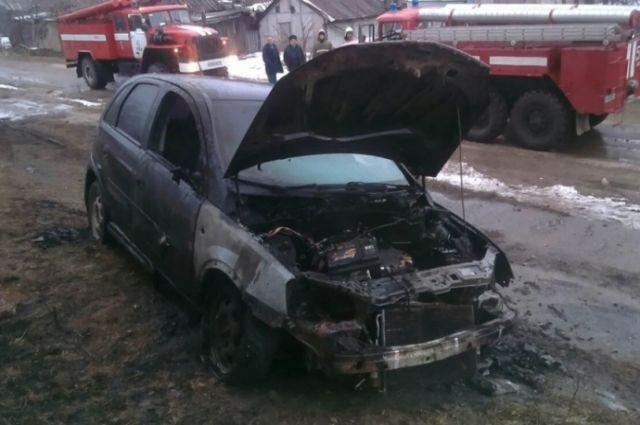 Вечером под Тулой сгорела иностранная машина