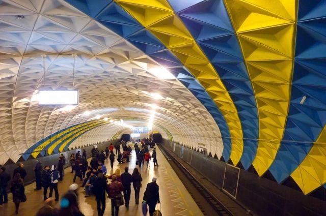Столичная подземка сегодня будет возить читателей «Кобзаря» бесплатно