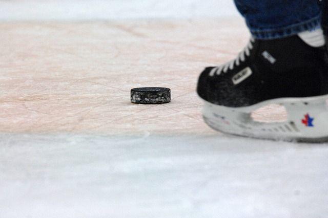 Хоккейные традиции зародились в Канаде.