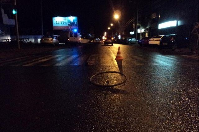 Сотрудница милиции насмерть сбила 19-летнюю велосипедистку вКрыму