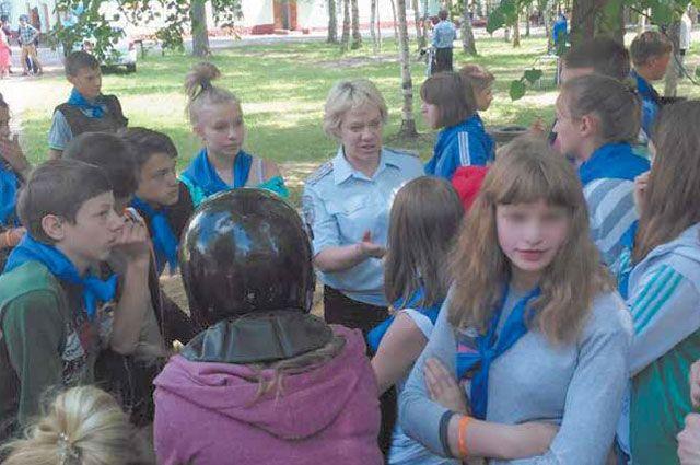 Инспектору подразделения по делам несовершеннолетних приходится быть и педагогом, и психологом.