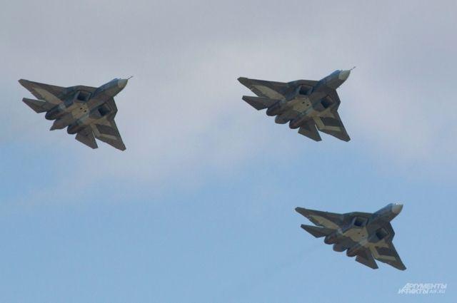 В 2017г. МинобороныРФ получит десять новых истребителей Су-35С