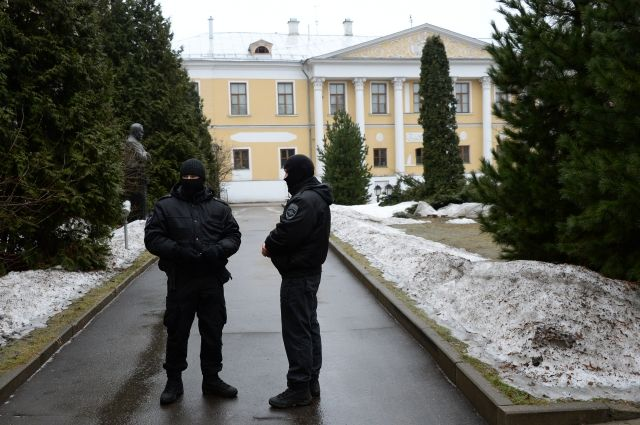 Центр Рерихов обжалует действия правоохранителей, изъявших умузея картины вкачестве вещдоков