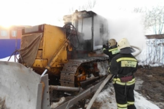Бульдозер зажегся вНижегородском районе 8марта