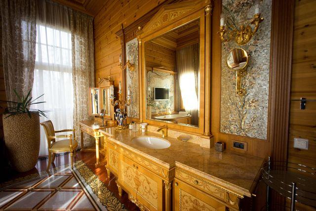 Бывшая резиденция В.Янукович «Межигорье».