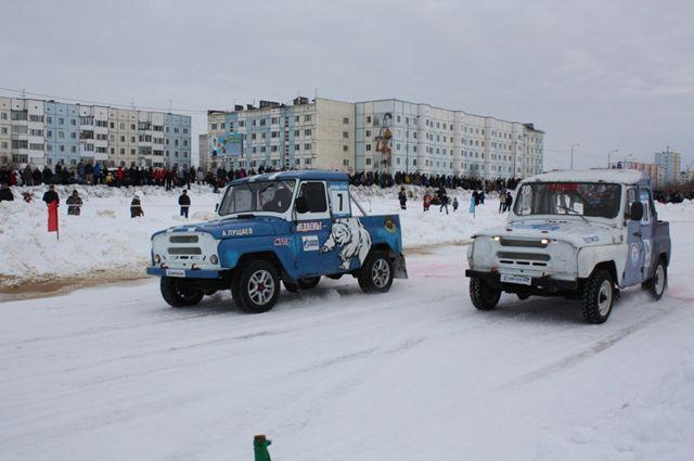 Надымские трезвенники-автомобилисты выстроились в «чум» и «рюмку»