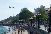 В этом году Крым готовится принять 6 млн. туристов. Обещают, что перебоев со светом и водой не будет.