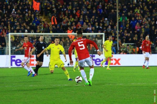 Поэтому билеты на матч 1/8 Лиги между футбольными клубами «Ростов» и «Манчестер Юнайтед» были раскуплены за три часа.