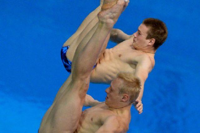 Илья Захаров и Игр Евгений Кузнецов вновь отличились в синхронных прыжках с трехметрового трамплина.
