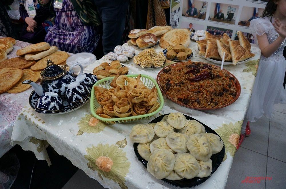Участники форума представили главные блюда мусульманской кухни.