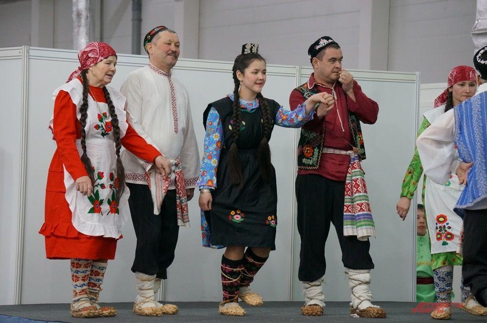 Фольклорные коллективы из Прикамья и соседних регионов показали богатство культуры мусульманских народов.