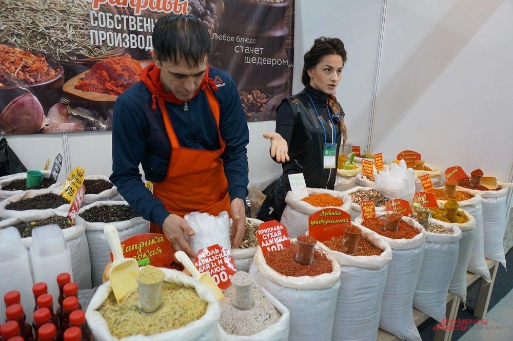 Восточные сладости и специи пользуются особой популярностью у посетителей форума.
