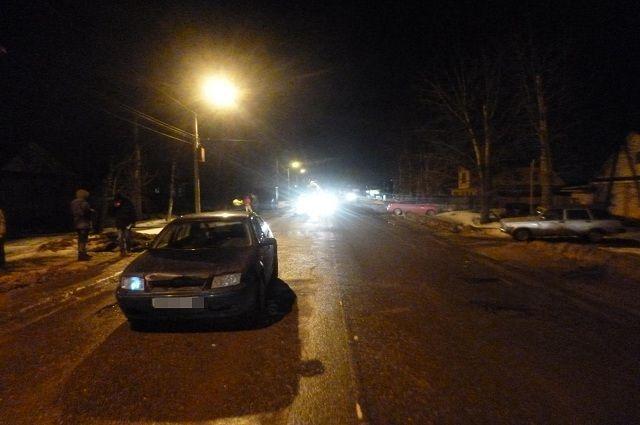 Пешеход умер под колесами автомобиля вТвери