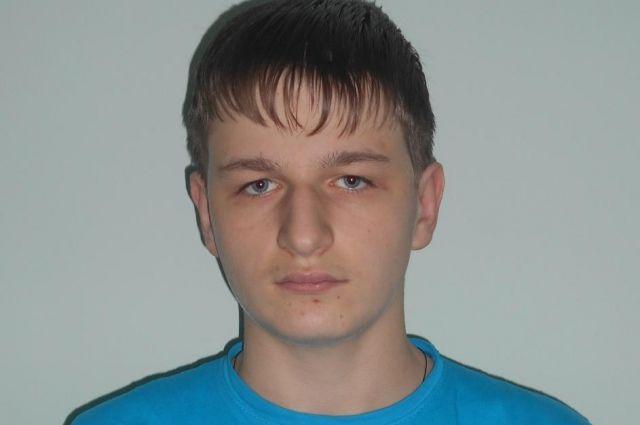 Дмитрию Т. 15 лет. Он целеустремленный, исполнительный, добрый, внимательный подросток.