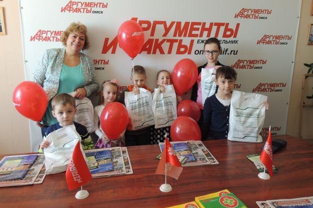 Юные омиич получили от спонсоров памятные призы.