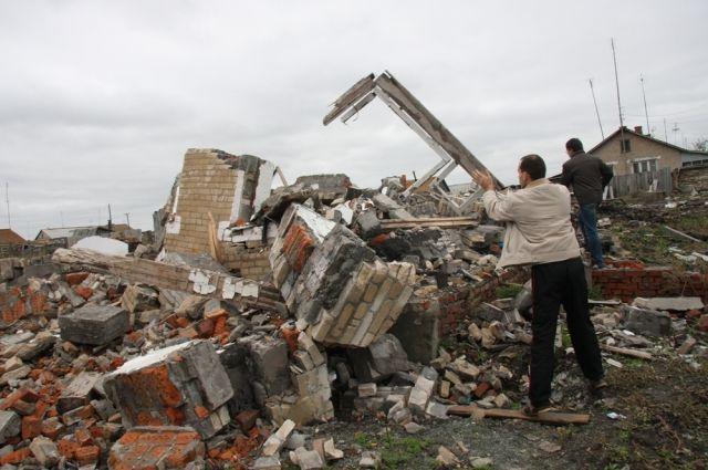 Сейчас в старом селе от большинства домов остались лишь развалины.