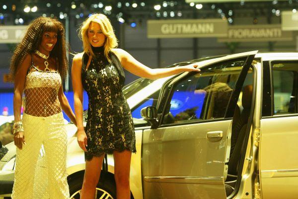 Самые сексуальные и красивые девушки на автошоу в Женеве 2017 года