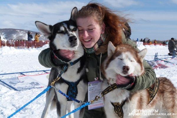 Эти собаки готовы обниматься и целоваться бесконечно!