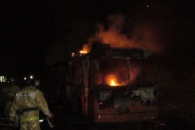 Троллейбус сгорел вдепо вСоветском районе