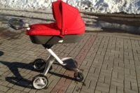 В Бузулуке 8-месячный ребенок получил перелом, выпав из коляски
