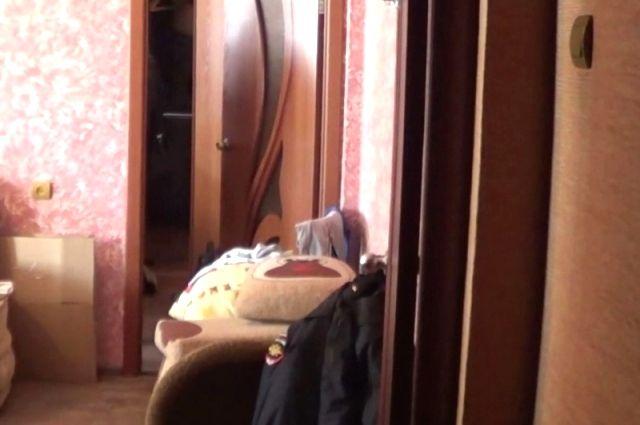 Квартира, где произошло двойное убийство в Иркутске.