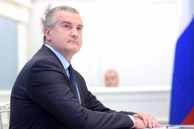Аксёнов в 3-й раз впрямом эфире ответит навопросы политолога Михеева