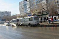 В Оренбурге в ДТП с двумя «ПАЗами» пострадала 8-летняя девочка